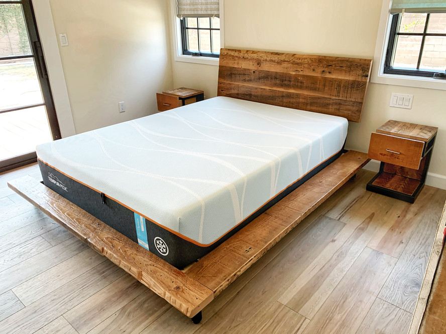 modern bed room set night stand and bed