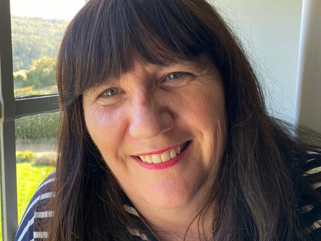 Alison Shaloe signs publishing deal with The Unbound Press