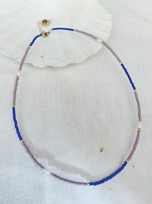 Bolitas y perlas azul y lila