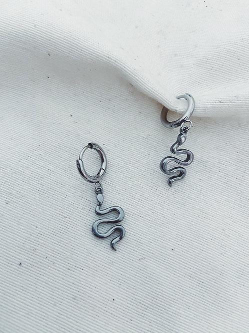 Serpiente ondulada plata
