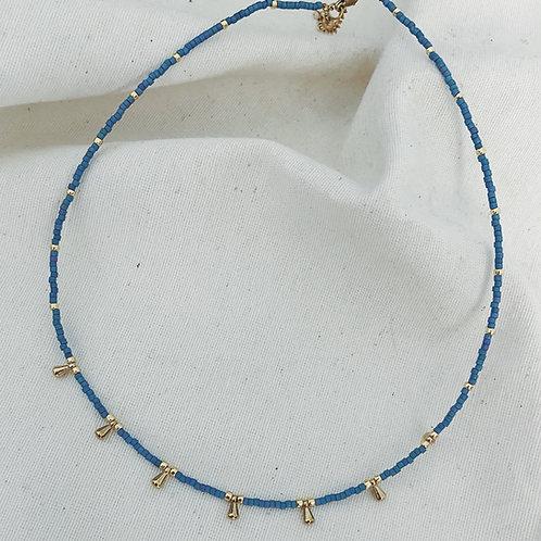 Pastel azul detalles