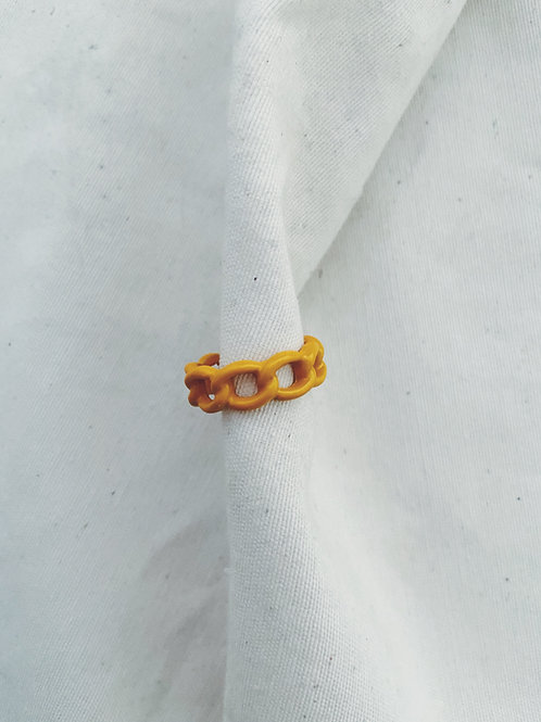 Pastel cadena amarillo