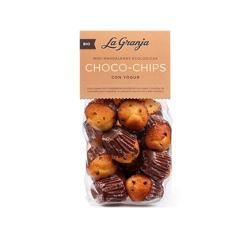 Magdalenas mini de trigo con pepitas de chocolate.