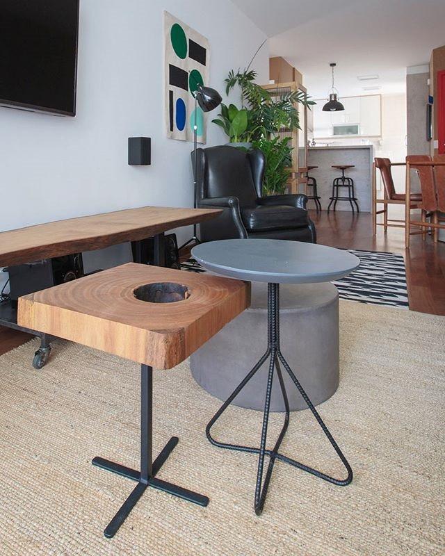 As mesas laterais são inspiração para diversos ambientes, do moderno ao rústico