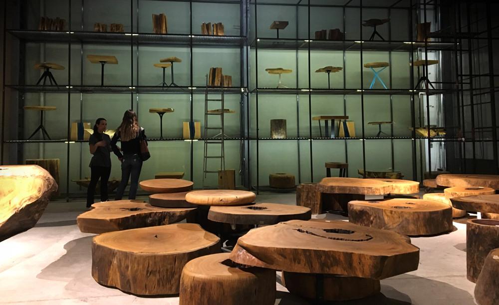 Estante de mesas laterais em madeira maciça certificada ArboREAL