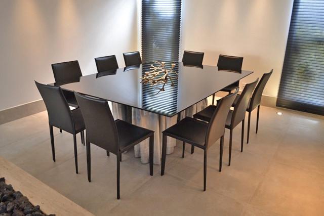 Base para mesa de jantar em madeira maciça de Guarantã com acabamento prateado ArboREAL