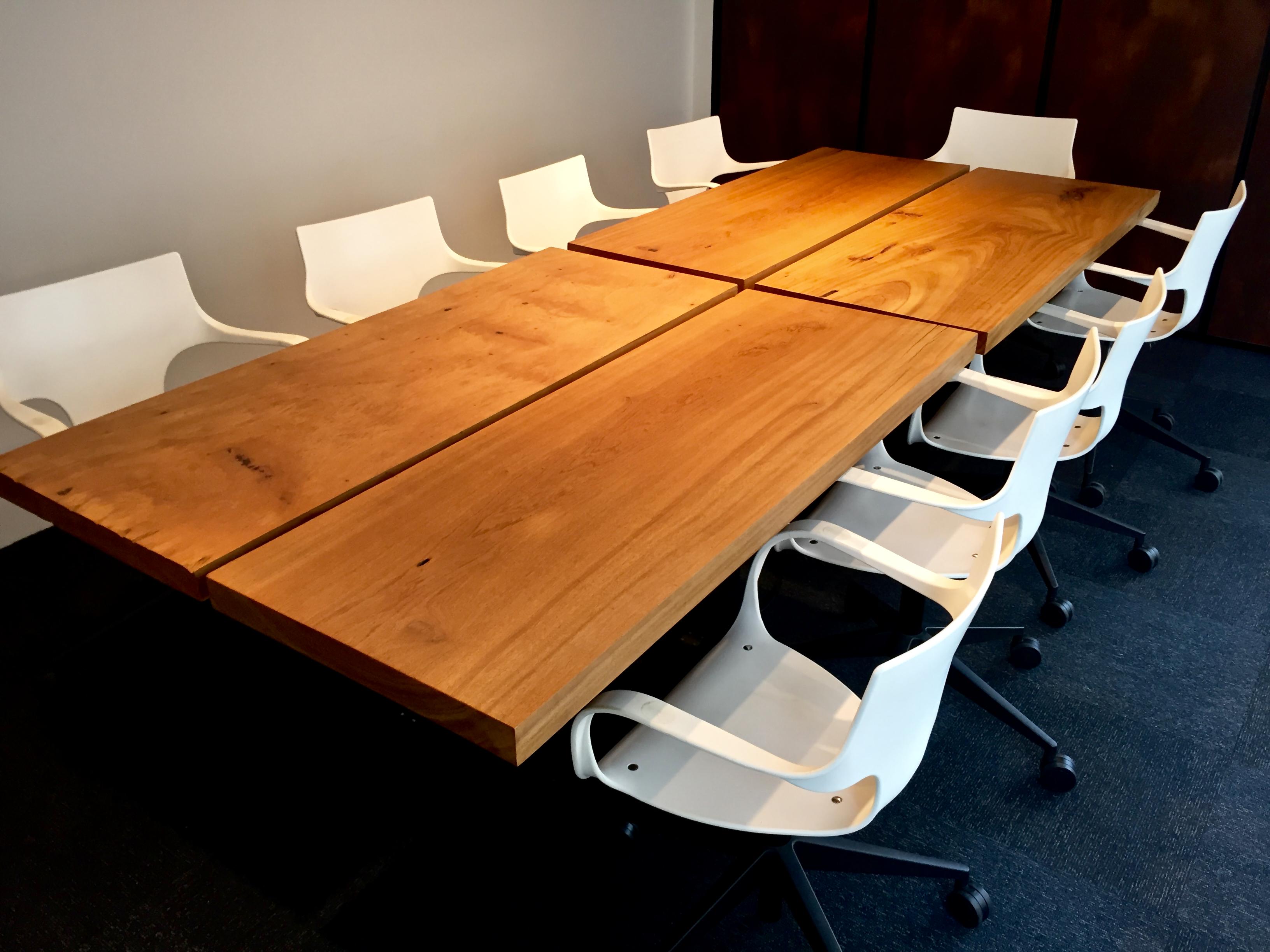 Mesa de Reunião - Sala Corporativa