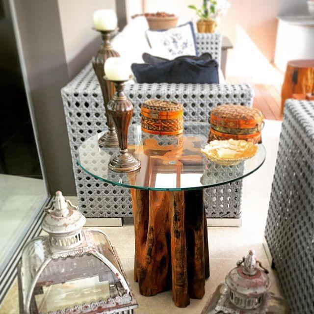 Base para mesa lateral em madeira maciça de Guarantã ArboREAL