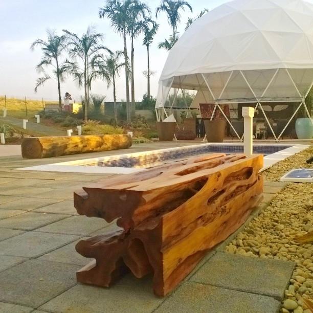 Banco em madeira maciça de Guarantã ArboREAL