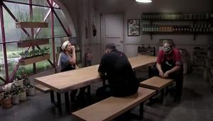 A sala de espera dos competidores contou com mesa e banco em madeira maciça da ArboREAL