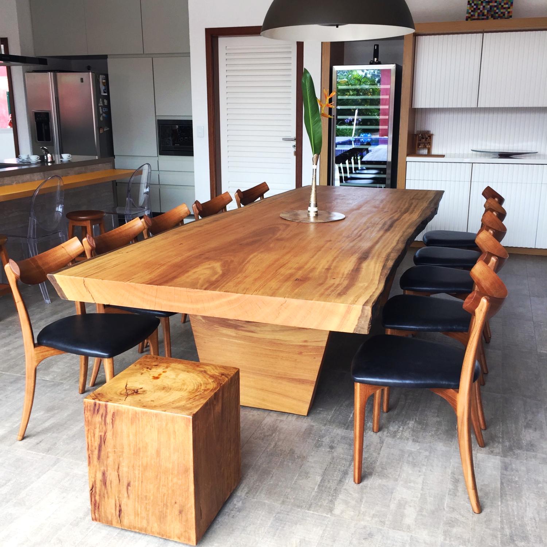 Mesa de Jantar em Madeira Maciça