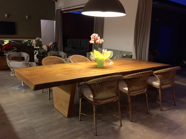 Mesa de Jantar Rústica - Tora Maciça