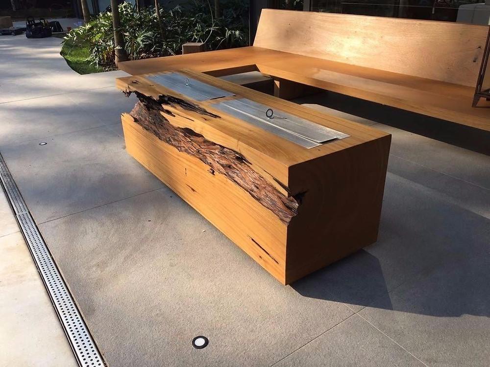 Lareira ecológica em bloco de madeira maciça