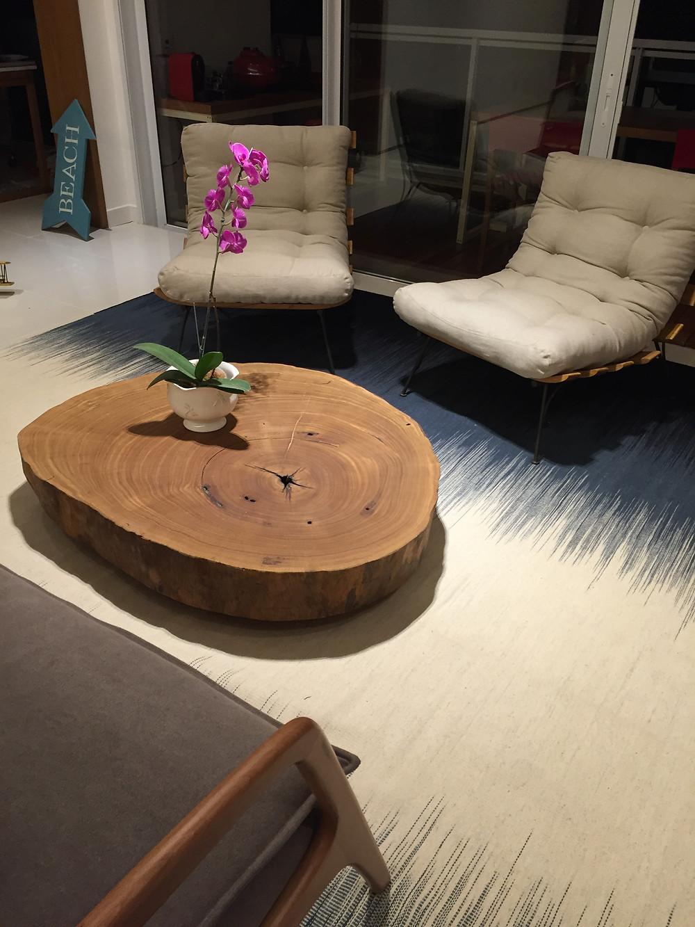 Mesa de centro modelo bolacha em madeira maciça de Pequiá ArboREAL