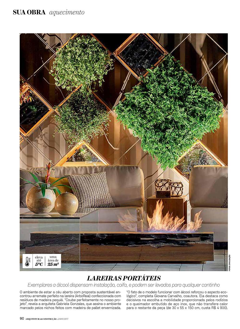 Página da Revista Arquitetura e Construção mostrando uma lareira ecológica de madeira maciça  ArboREAL