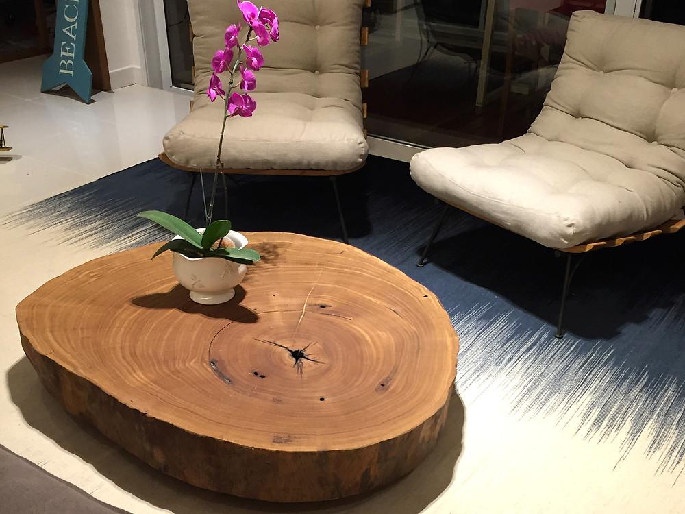 Mesa de centro em madeira maciça de Pequiá ArboREAL