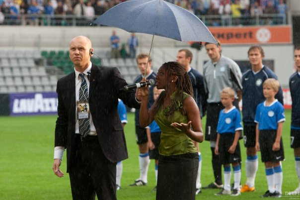 Singing the Brazilian anthem before the match BrazilXEstonia.jpg