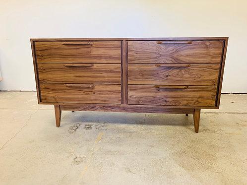 (W63) Mid Century Style 6 Drawer Dresser in Walnut!