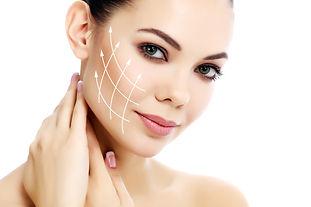 Dermatologia estetyczna pomaga wskazać i dobrać odpowiednią i pielęgnację skóry w celu jej ochrony i rewitalizacji. Do tego typu zabiegów należą m.in. dermabrazje mechaniczne, peelingi, roll cit medyczny, terapie laserowe i zabiegi wygładzające zmarszczki. Poprawiają one ogólny wygląd skóry, odmładzają ją, pomagają pozbyć się blizn i zmian trądzikowych.
