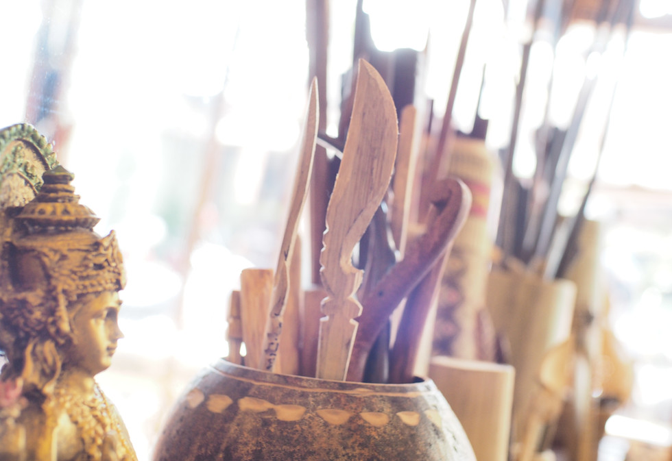 Traditional-tattoo-tools