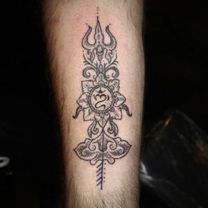 trident-hand-poke-tattoo-bali.jpeg