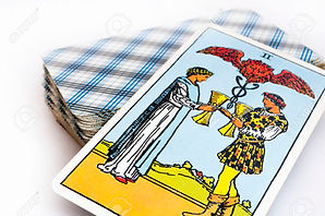 35431049-the-deck-of-Tarot-cards-on-whit