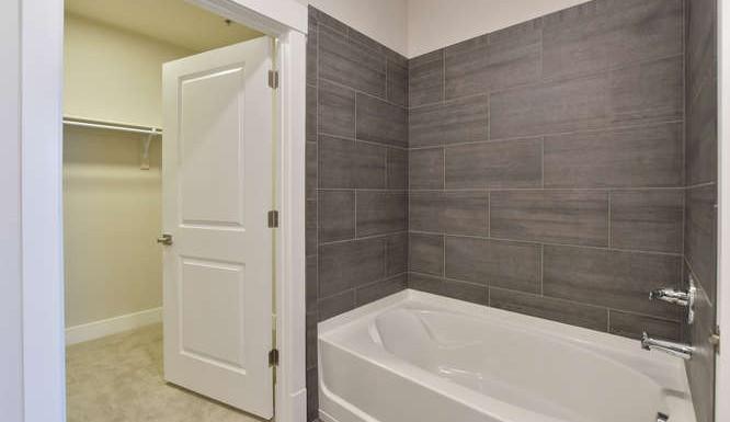 2 bedroom master bathroom
