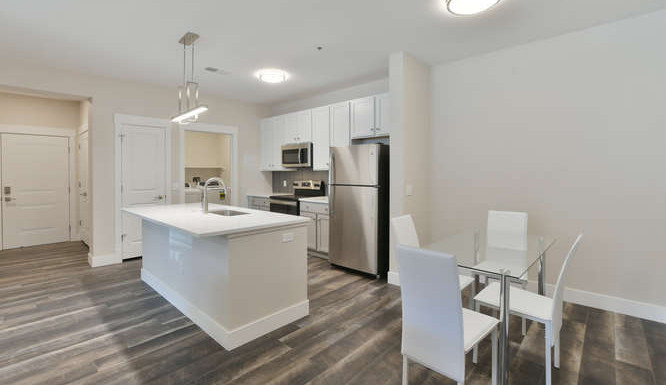 One bedroom kitchen and dining