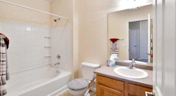 One bedroom bathroom