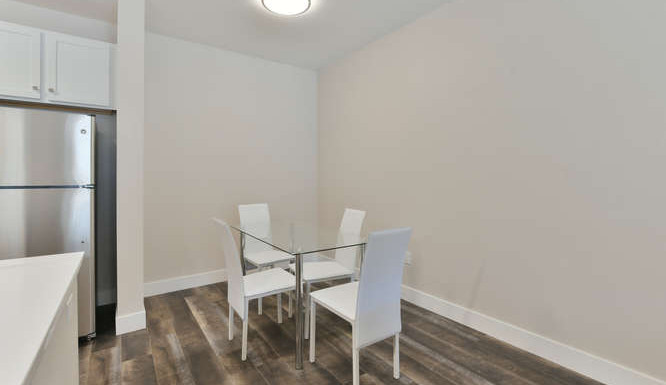 One bedroom dining room