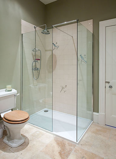 BATHROOM SHOWER WITH HAND PAINTED TILES