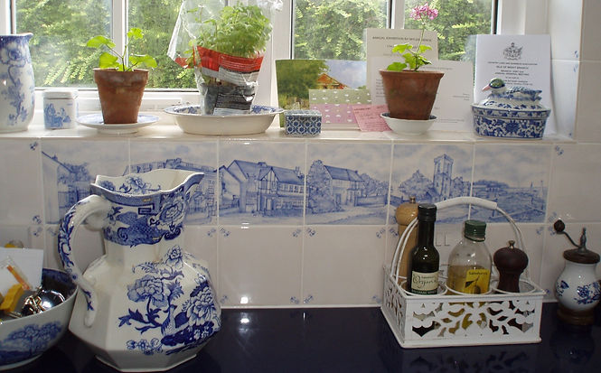 DELFT KITCHEN HAND PAINTED TILES AS SPLASH BACK