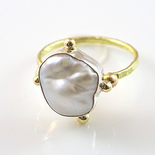 Pearl and 18k Gold Compass Ring