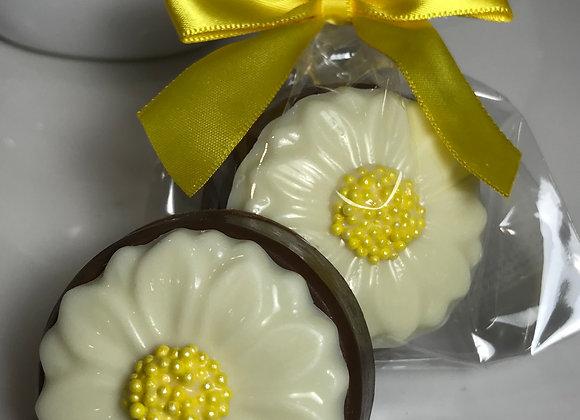 Daisy Chocolate Covered Oreo Single