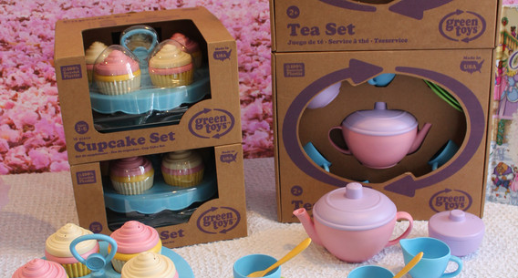 Tea sets and Cupcakes
