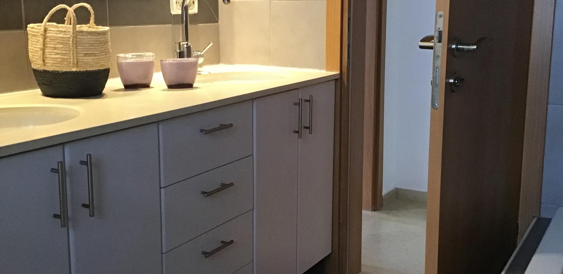 seconde Bathroom