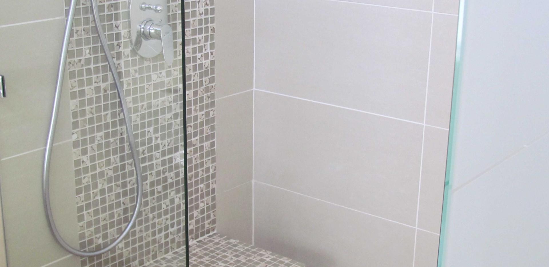 Shower seat.jpg