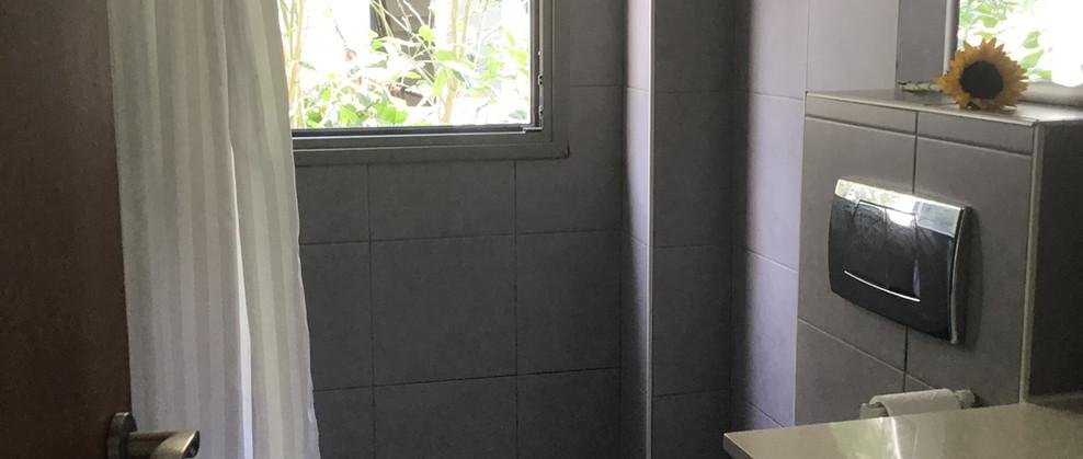 Ensuite bathroom main bedroom