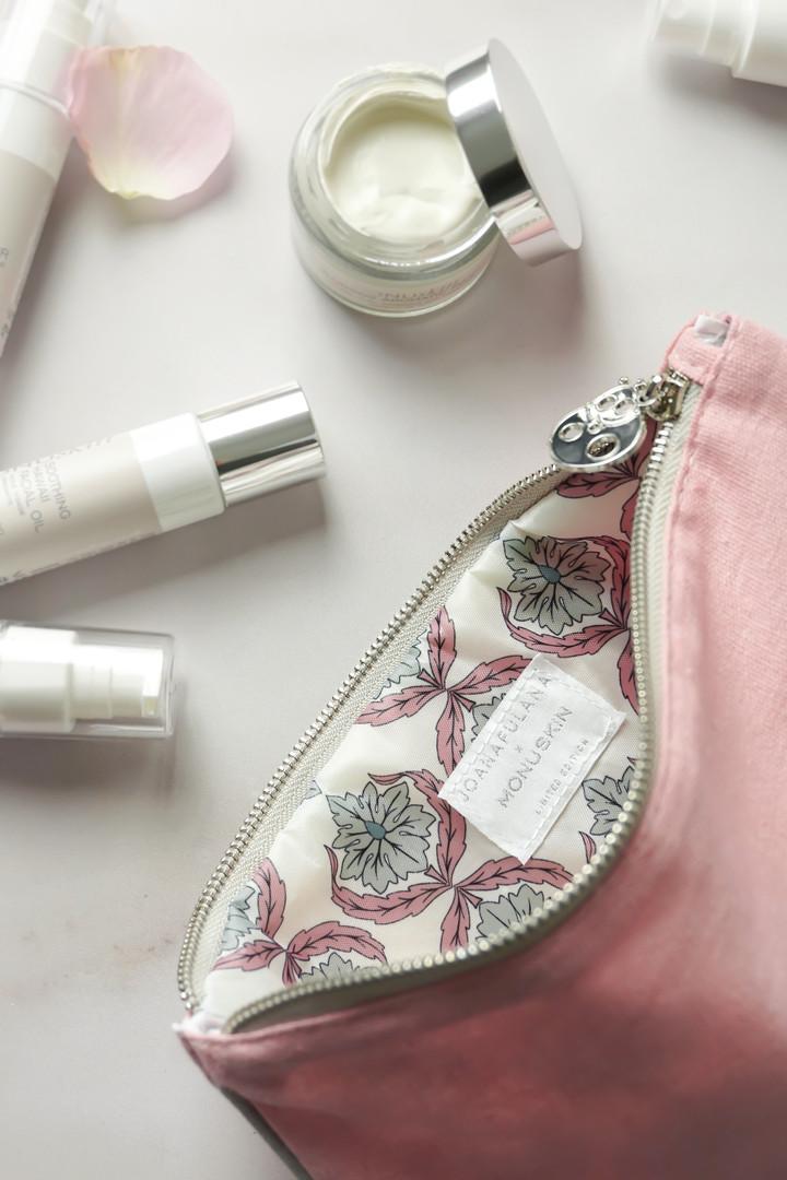 Beauty Bag detail 2.jpg