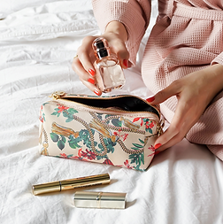 Essential Wash Bag | Golden Tassel
