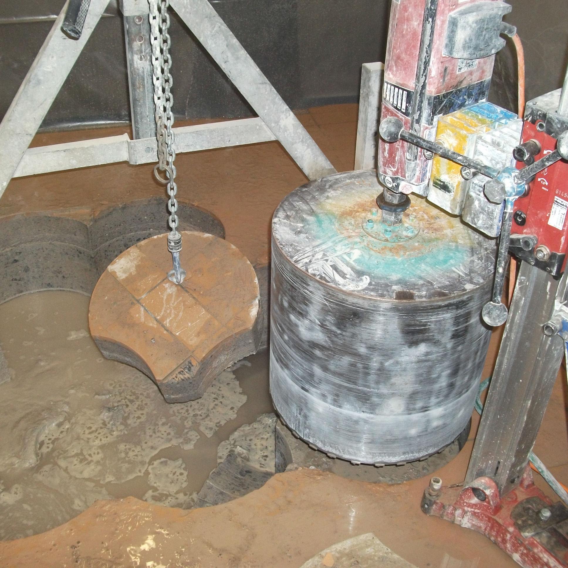 Molkerei in Upahl - Herstellen von Kanälen im Fussboden