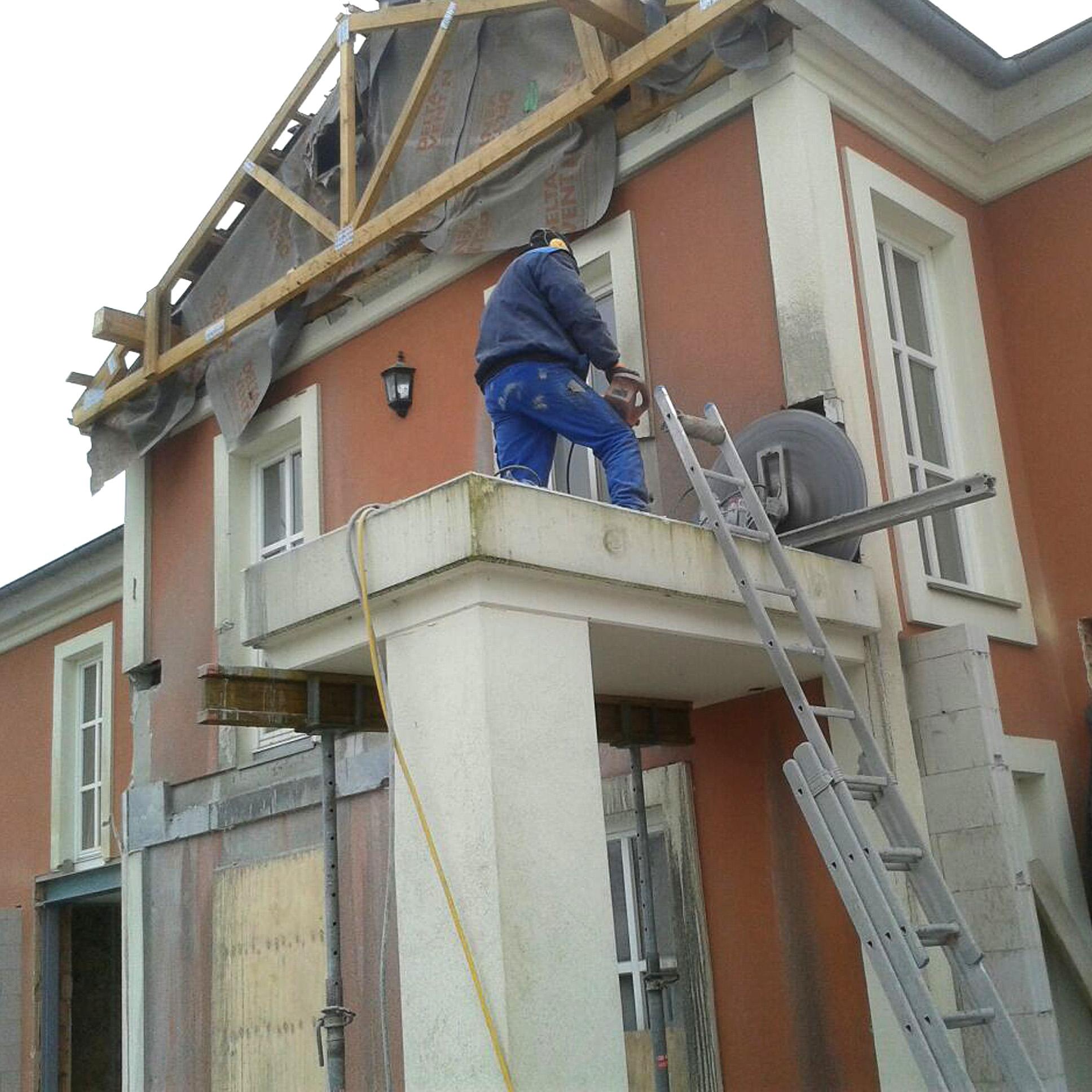 Gutshaus Flotow - Balkonabriss