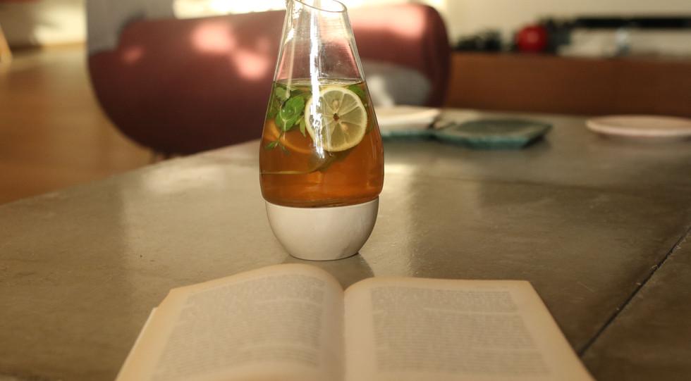 Breek Shay   Tea Carafe