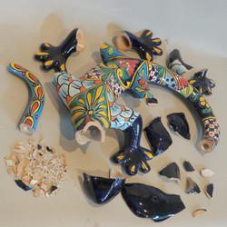 Modern Mexican earthenware lizard