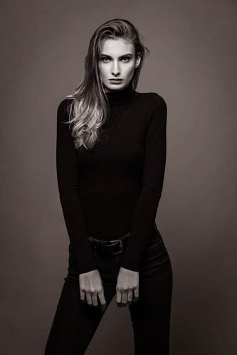 Make-up  - Muriel MAX-1.jpg