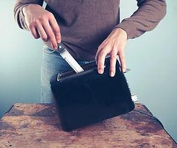 knifeintoaster.jpg
