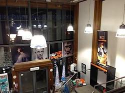 Salon Installation
