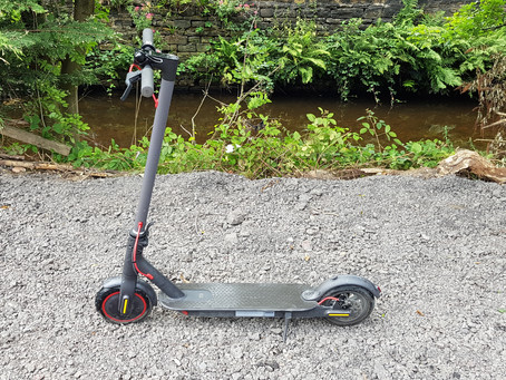 Xiaomi M365 Pro Mi electric scooter competition
