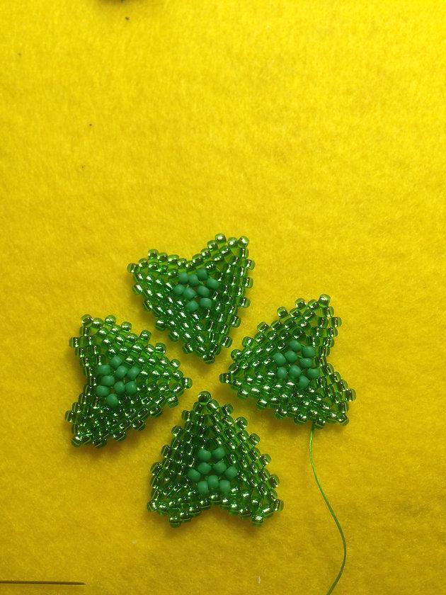 St  Patrick's Shamrock earrings tutorial