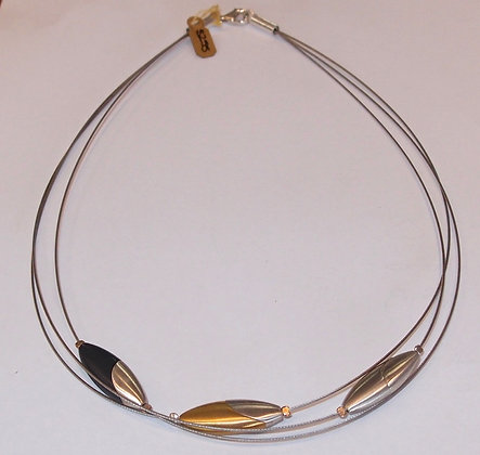 Stainless steel necklet